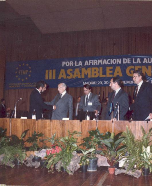 III-Asamblea-General-Madrid-1985_-F_lix-Pons_-Rodr_guez-Bola_os-y-Tierno-Galv_n